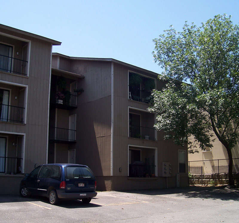 Apartments In Little Rock-Lanai Apartments-Central